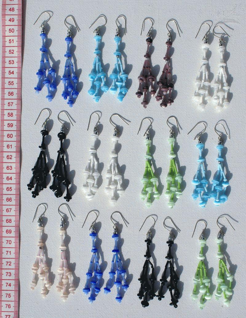 Цветные браслеты из бисера.