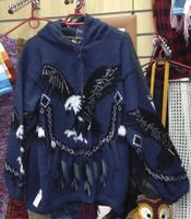 Синий свитер с орлом