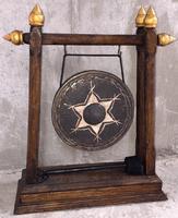 Буддийское колесо на раме