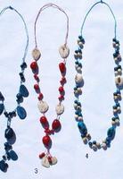 Ожерелья из семян и тагуа
