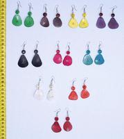 Цветные сережки из тагуа